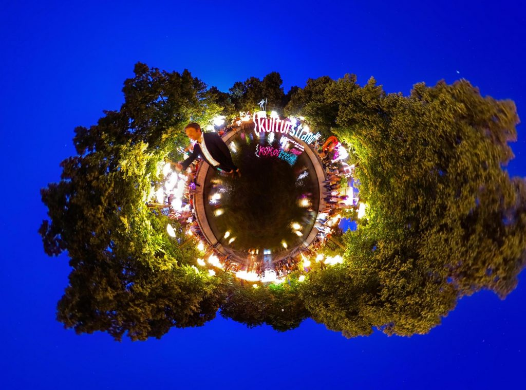 Danke Bud Spencer als 360 Grad Tiny Planet (dreihundertsechzig und 1000lights)