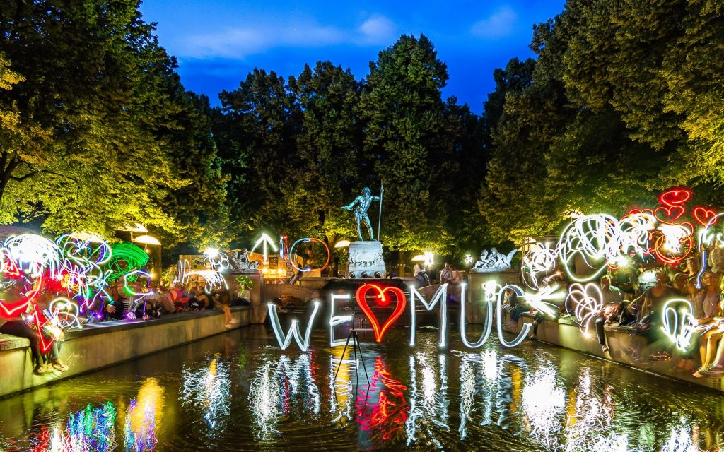 We ❤️ MUC #kulturstrandleuchtet- Ulrich Tausend (1000lights.de)